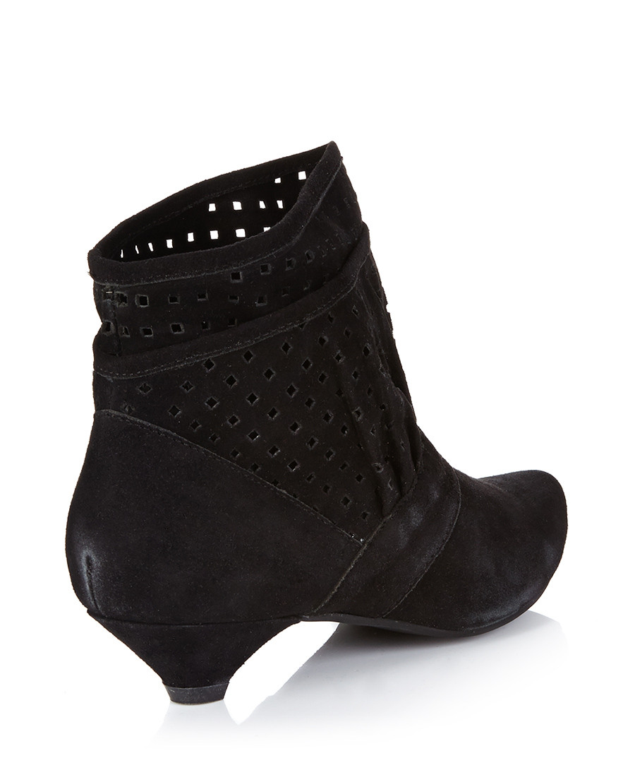 Sexy Boots, Cheap Boots, Cheap Womens Boots, Knee High Heels Boots for Women, Wide CalfMade In Hollywood· Unique Designs· Great Customer Service· Free Shipping.